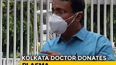 Kolkata: Doctor Turns Into Plasma Donor
