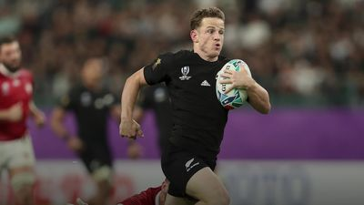 New Zealand bulldoze through Canada with 63-0 win