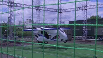 Flying car hovers for one minute during Japanese demonstration