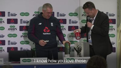 Trevor Bayliss laughs at scented candle gift after final England press conference
