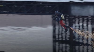 Jet suit speed world record broken on Brighton beach