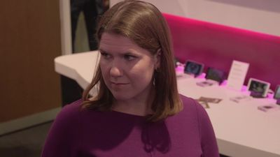 Swinson attacks Brexit 'myths' during St Albans visit
