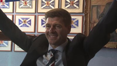 Steven Gerrard extends Rangers contract