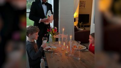 Dad throws heartwarming dinner party with young family