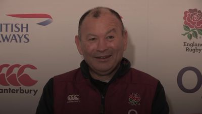 Eddie Jones agrees new deal which commits him to England until 2023
