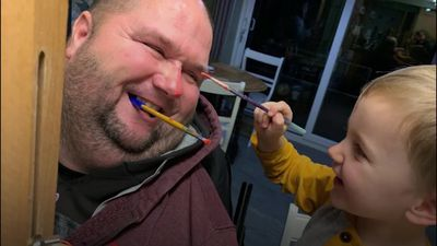 Man paralysed at 19 finds vocation as a mouth painter