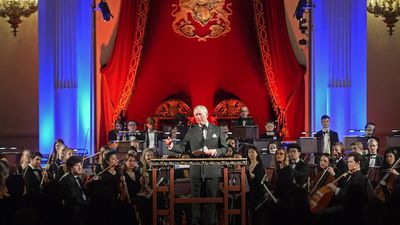 Prince of Wales dedicates radio show to performers