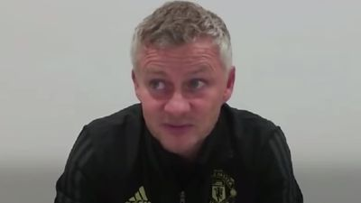 Solskjaer says United must keep pressure on
