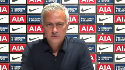 Mourinho praises Spurs players after Arsenal fightback