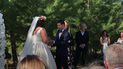 Sisters get married in double wedding celebration