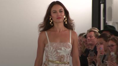 Temperley hosts star-studded catwalk for London Fashion Week