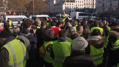 One dead in France fuel protests