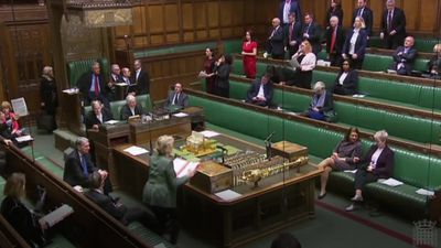 "Andrea Leadsom shows off ""flouncing"" technique"