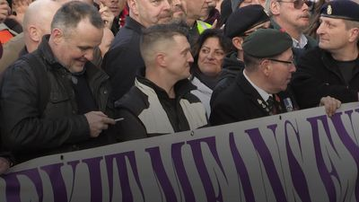 Tommy Robinson joins Brexit march