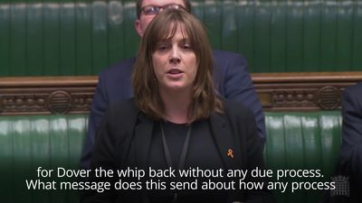 Jess Phillips reads out Andrew Griffiths 'beating' text to MPs