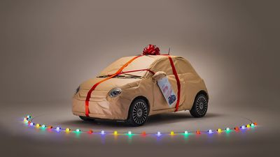 Fiat wraps up a 500 in time for Christmas