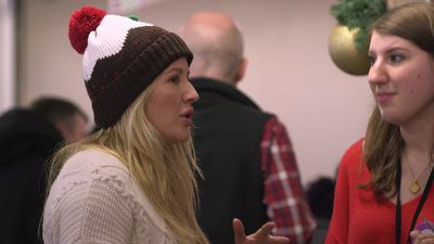 Ellie Goulding helps out at homeless shelter by serving lunch