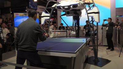 Table tennis robot steals the show at CES