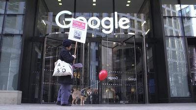 Protest against Google's plan to build a search engine for the Chinese market