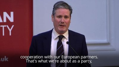 Labour must not rule out second referendum, says Starmer