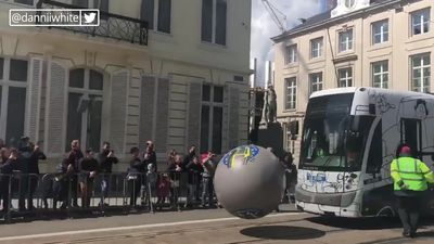 Crowds gather in Brussels to watch Tram bowling championships