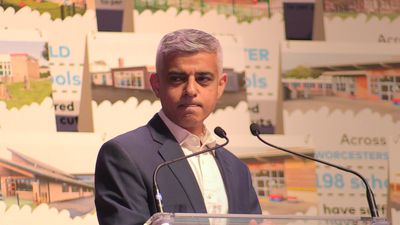 Sadiq Khan calls Donald Trump '6ft 3 child in the White House'