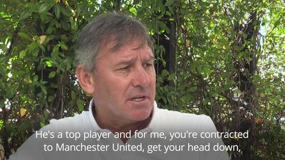 Bryan Robson: Pogba should ignore rumours and concentrate on Man United