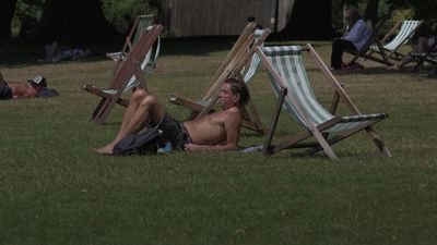 Britons bask in baking temperatures