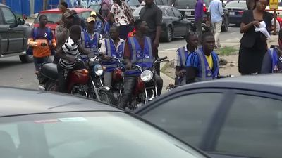 Crowded Lagos to ban 'chaotic' motorbike taxis