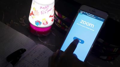 Zoom shares get whacked over privacy concerns