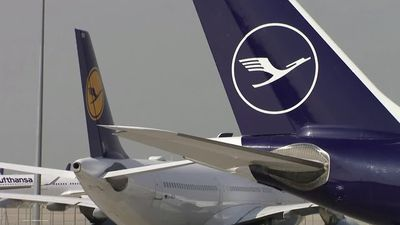 Lufthansa nears bailout; EasyJet gets ready to fly