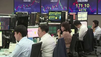 Stocks rise on hopes firms are set to bounce back