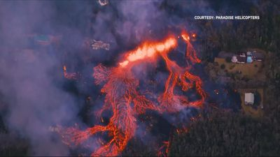 New Kilauea fissure threatens Hawaii homes