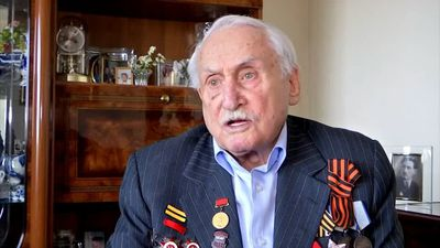 Auschwitz: Red Army soldier recalls moment his tank broke through fence