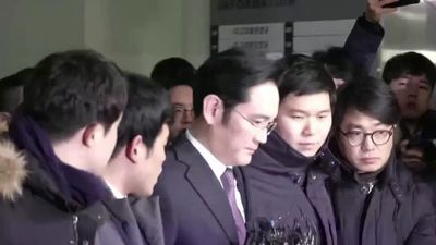 S. Korea seeks arrest of Samsung heir in probe