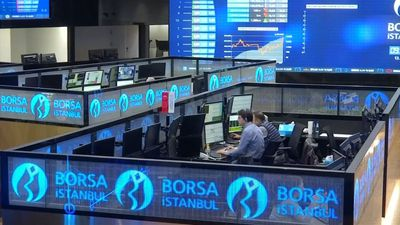 Turkish lira dips again on U.S. sanctions warning