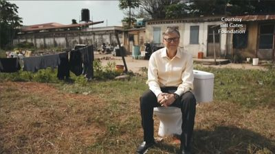 Bill Gates lauds futuristic toilets in China