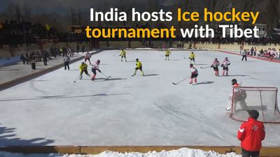 India promotes Ice hockey for the youth in the Himalayas