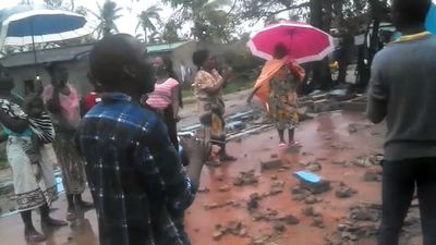 Thousands still need rescuing after African cyclone