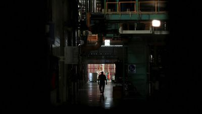 Blackouts threaten death blow to Venezuela's industry