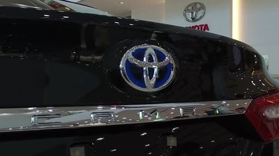 Toyota tries to strike delicate balance in U.S.-China trade war