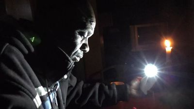 Zimbabwe outages plunge businesses into darkness