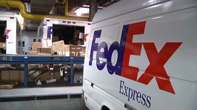 Huawei accuses FedEx of diverting packages