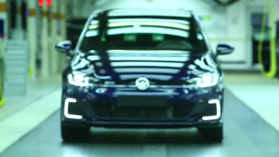 VW sells truck unit stake, eyes Ford tie-up