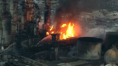 "Refinery fire ""looked like a nuclear bomb went off"""