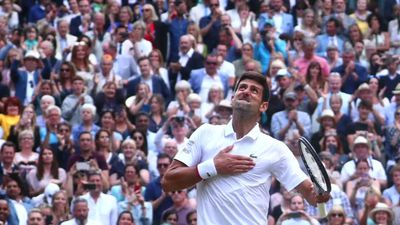 Djokovic beats Federer in record Wimbledon final