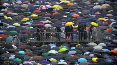 Rain fails to deter Hong Kong protesters
