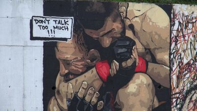 Turkish graffiti artist depicts Khabib's victory over McGregor