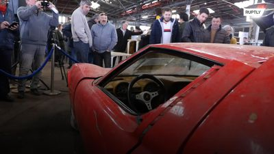 81 rare cars found in BARNS auctioned off near Toulouse