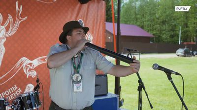 Competitors sound off at the European DEER CALLING Champs